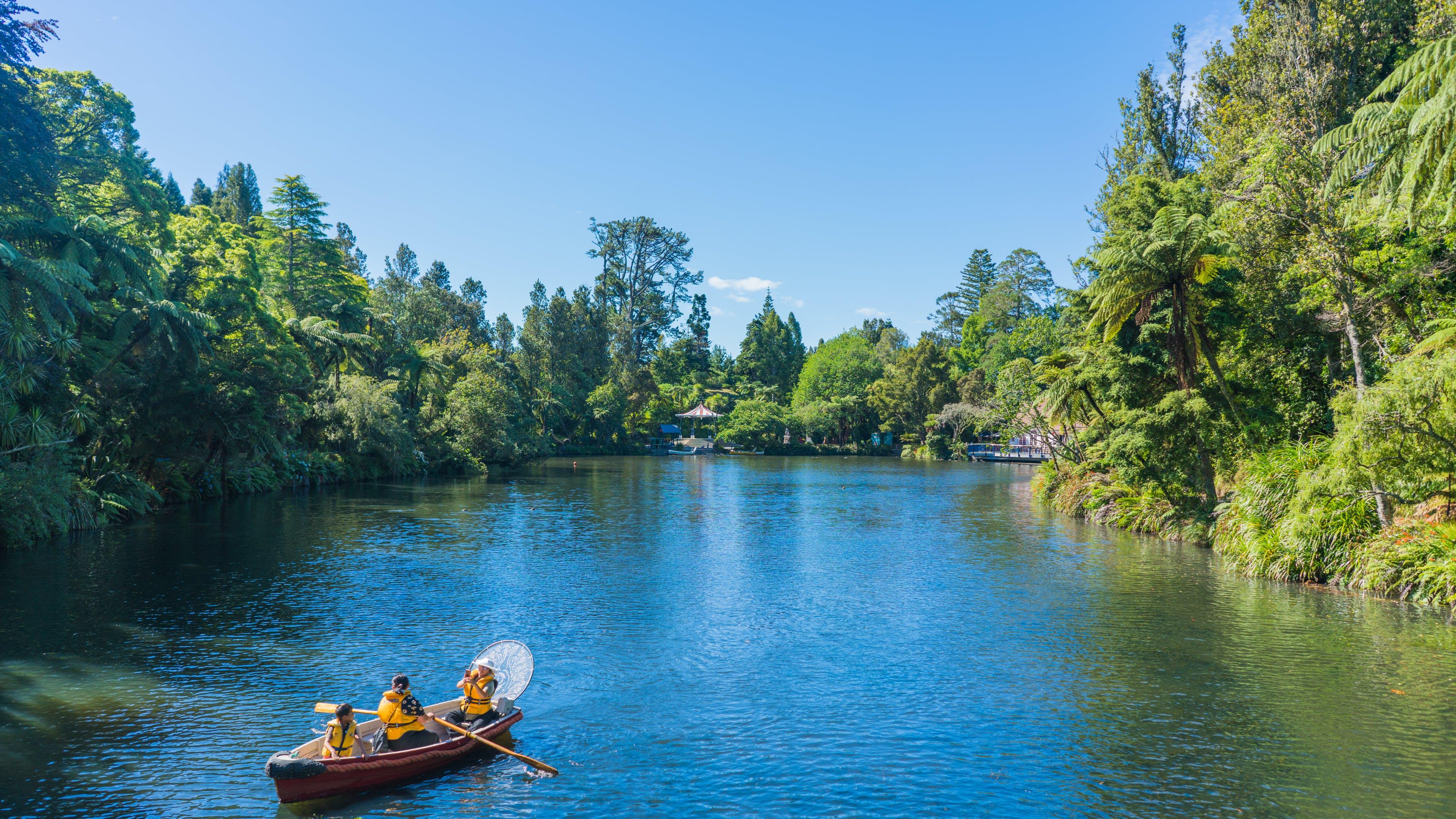 Gratis lagerfoto af båd, flod, folk, himmel