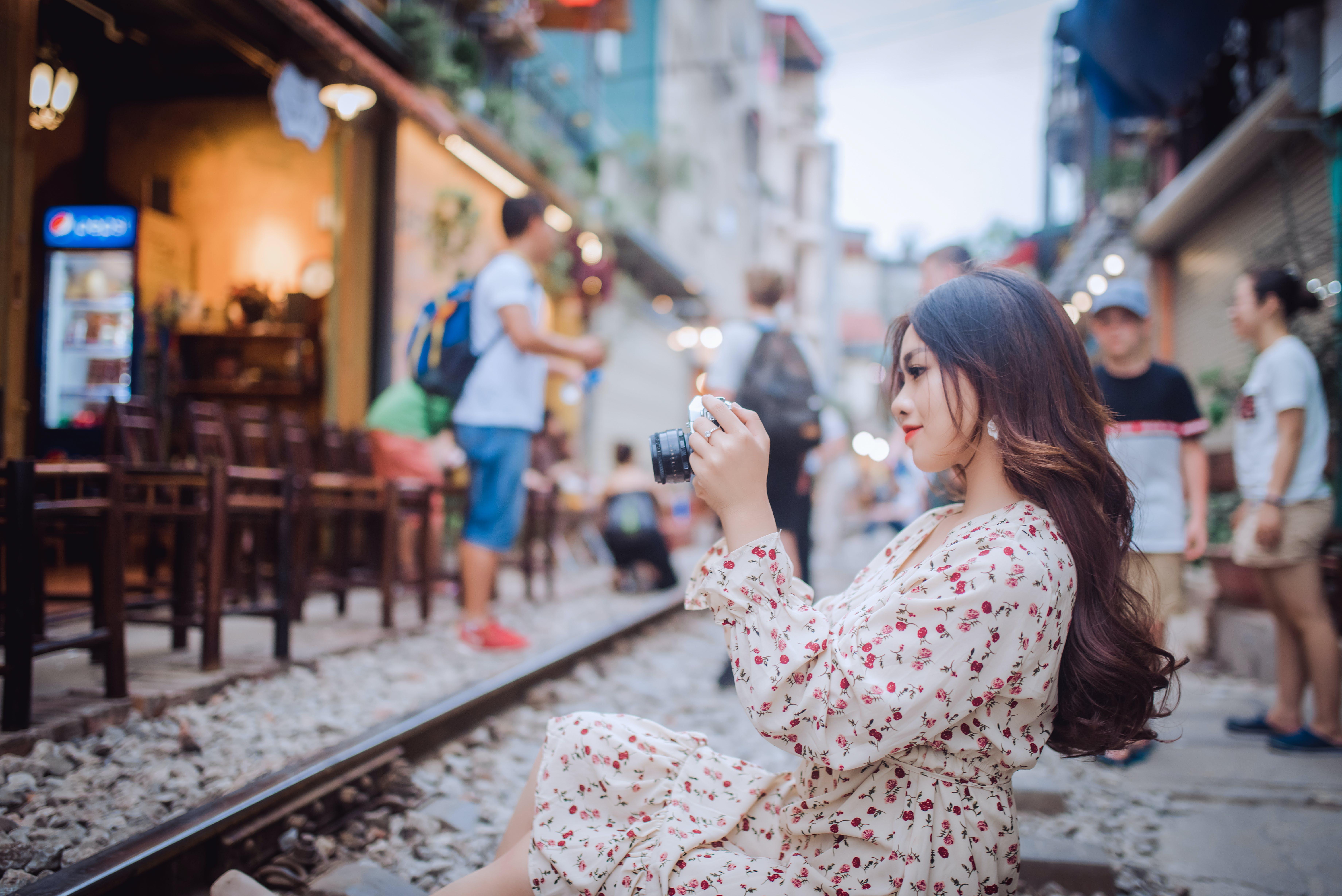aşındırmak, cazibe, Fotoğraf çekmek, fotoğrafçı içeren Ücretsiz stok fotoğraf