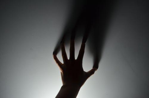 Gratis lagerfoto af fingre, hånd, konceptuel, lys