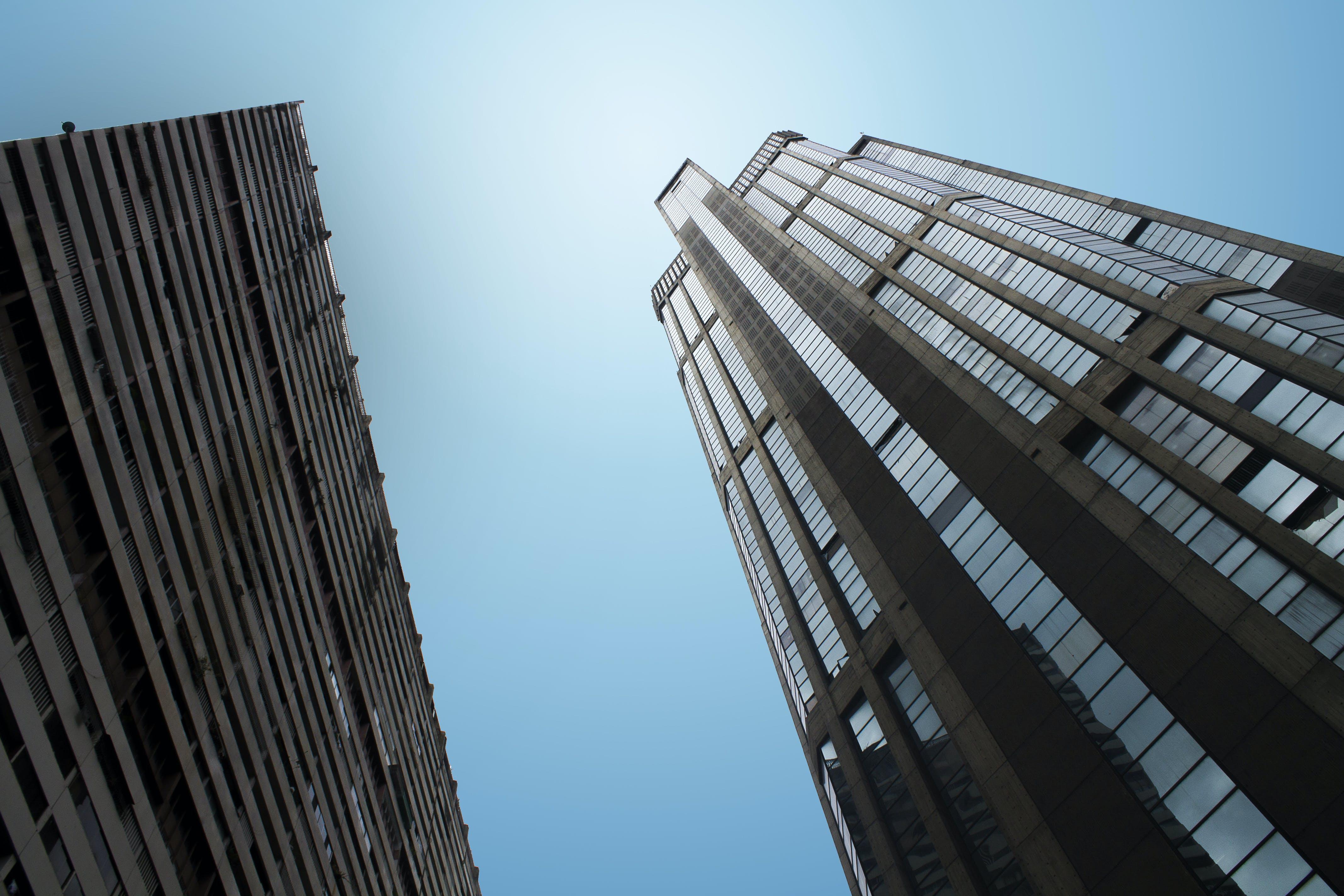 Gratis arkivbilde med arkitektonisk design, arkitektoniske detaljer, arkitektur, blå himmel