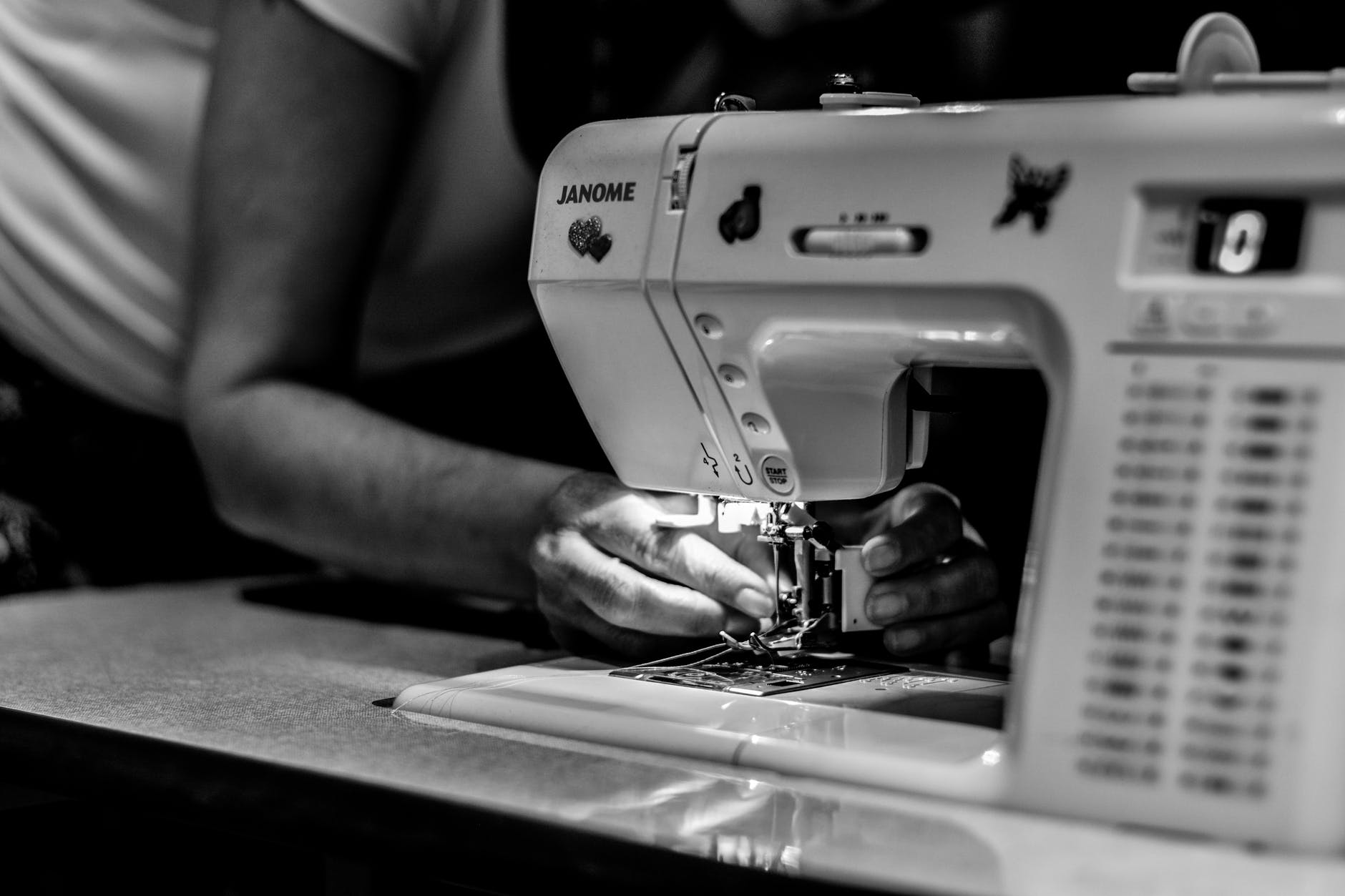 Sewing machine-Manual, Warranty and Servicing | 7 Things To Know When Buying A Sewing Machine | A Beginners Guide