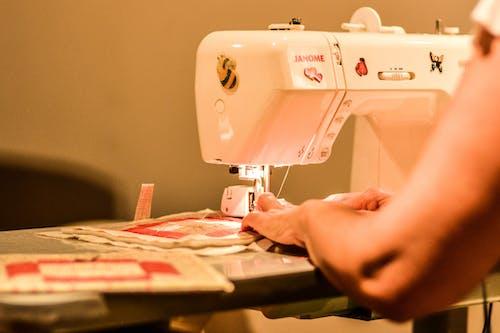 Gratis arkivbilde med å sy, maskin, sy, symaskin