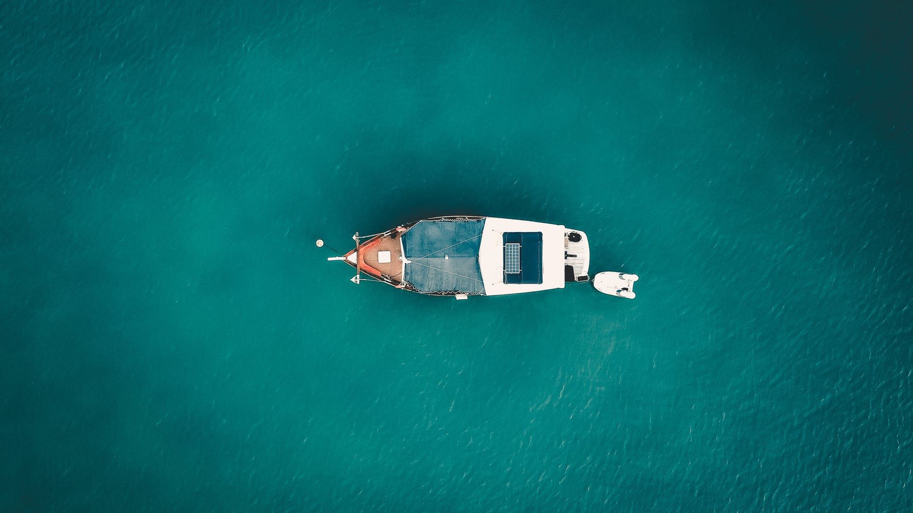 aerial view of a simple sport fishing boat