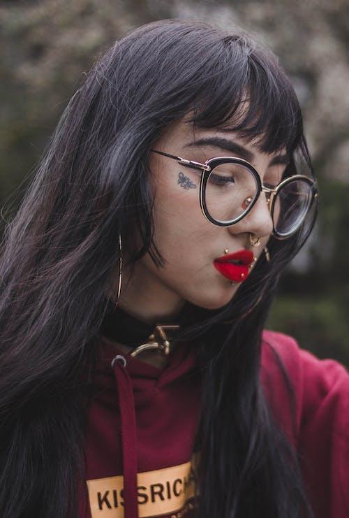 Gratis arkivbilde med ansikt, briller, hår, kvinne