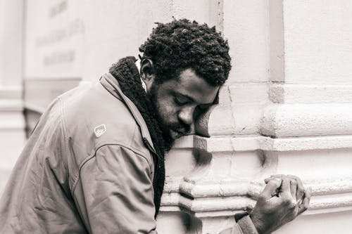 Základová fotografie zdarma na téma afroameričan, beton, černobílý, černoch