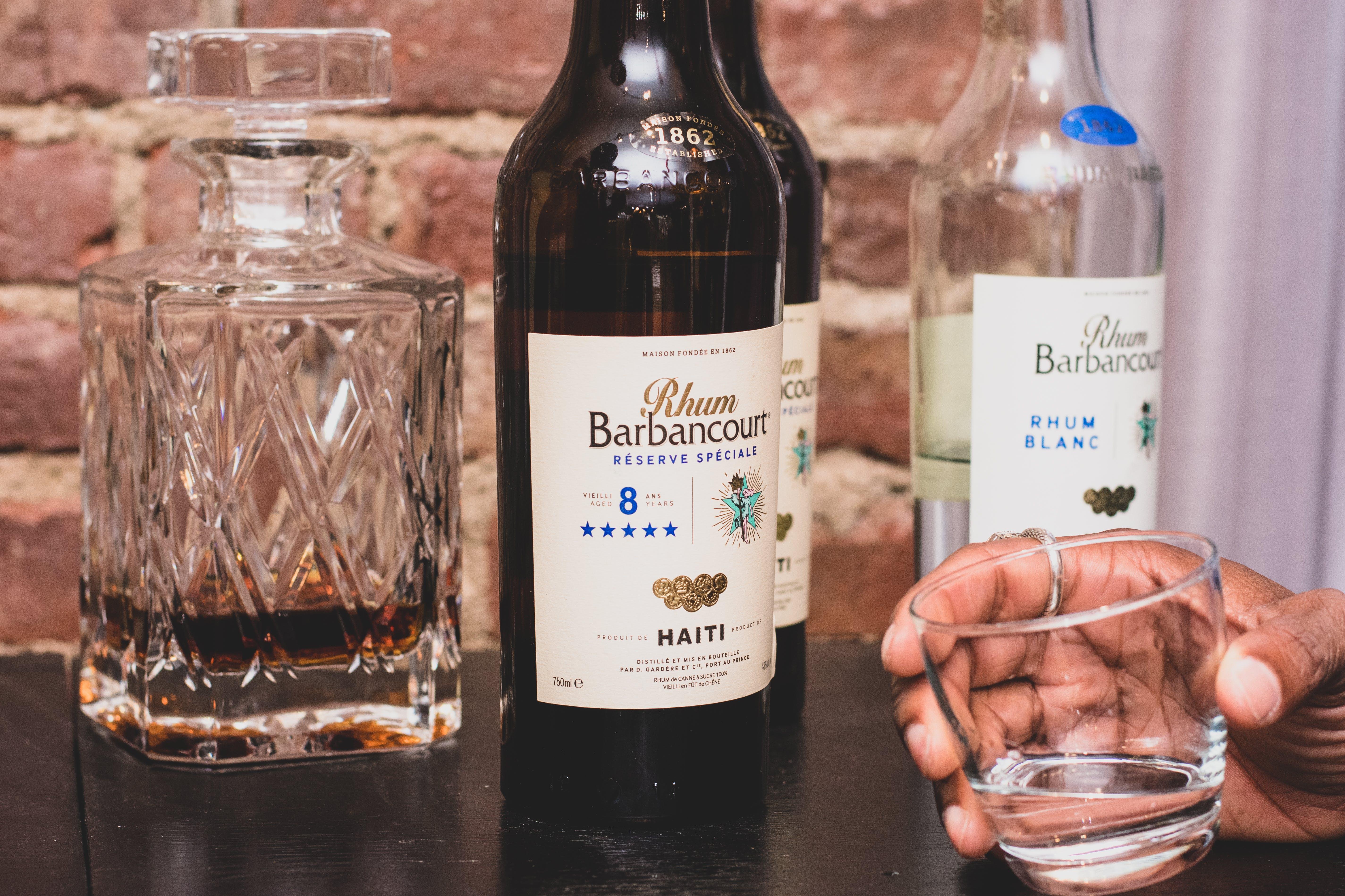 Ingyenes stockfotó alkohol, alkoholos ital, alkoholos palackok, beltéri témában