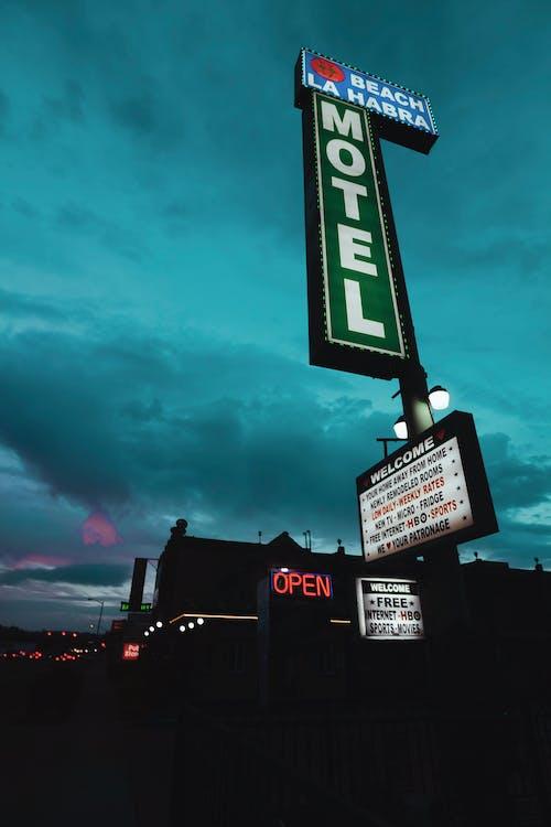 Fotobanka sbezplatnými fotkami na tému architektúra, cedule, Los Angeles, modrá