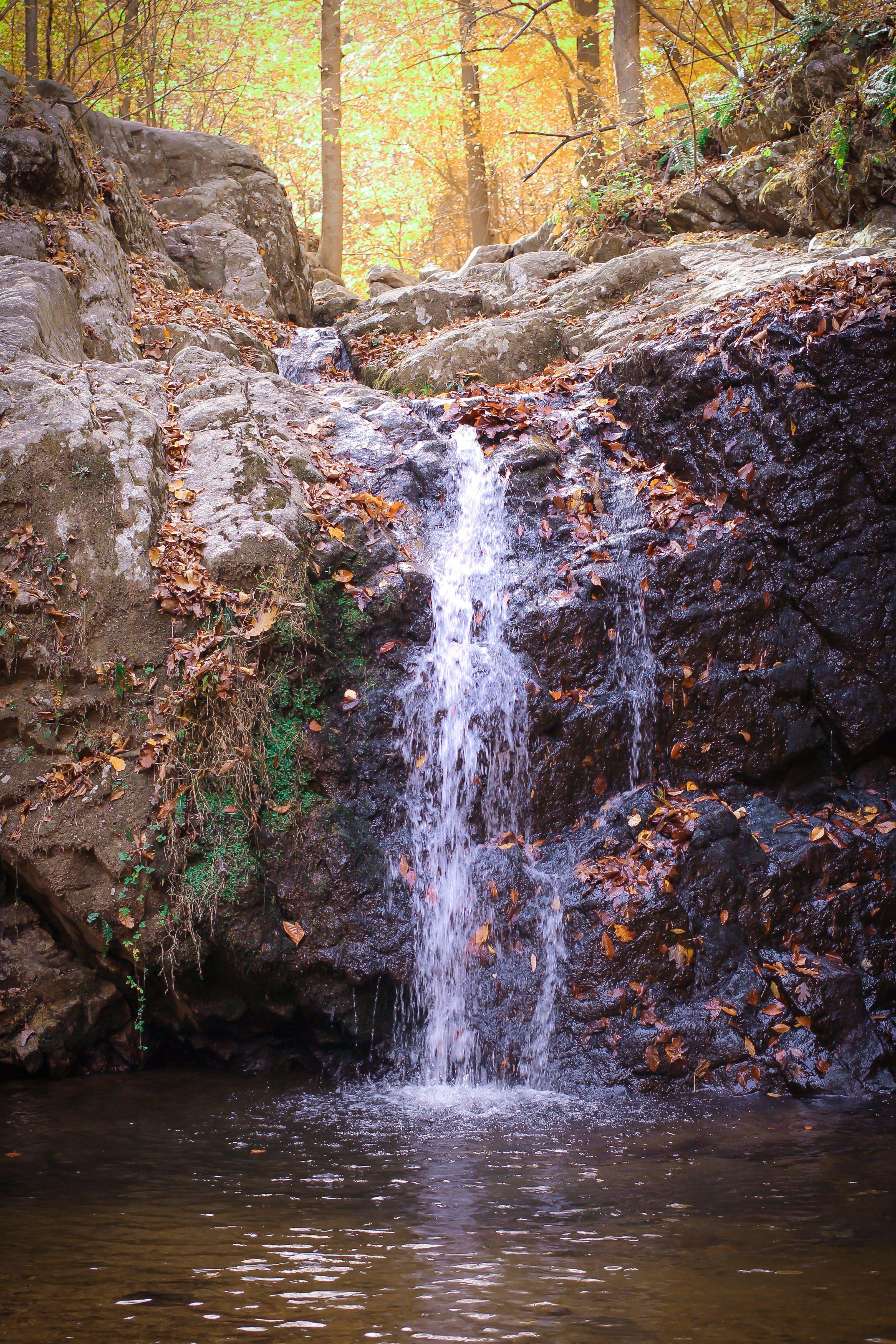 kameny, vodopád