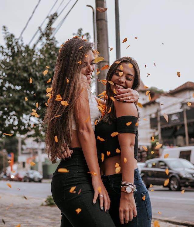 abbraccio, amici, amicizia