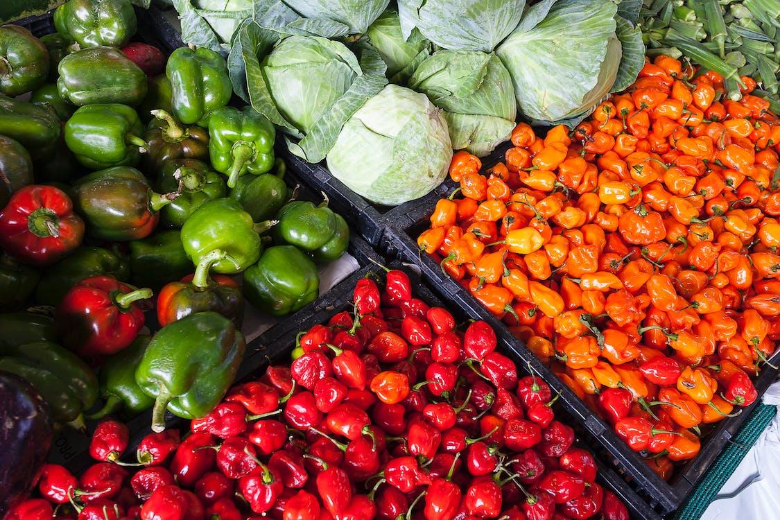 frutas y verduras en cajones