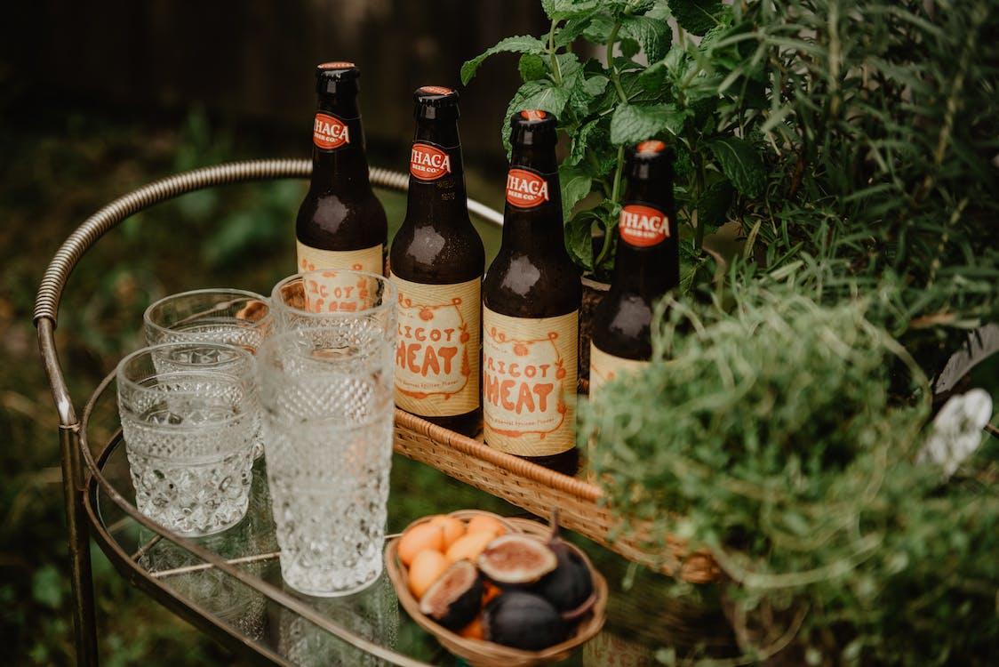 αλκοολούχο ποτό, καλάθι με μπάρες, μπύρα