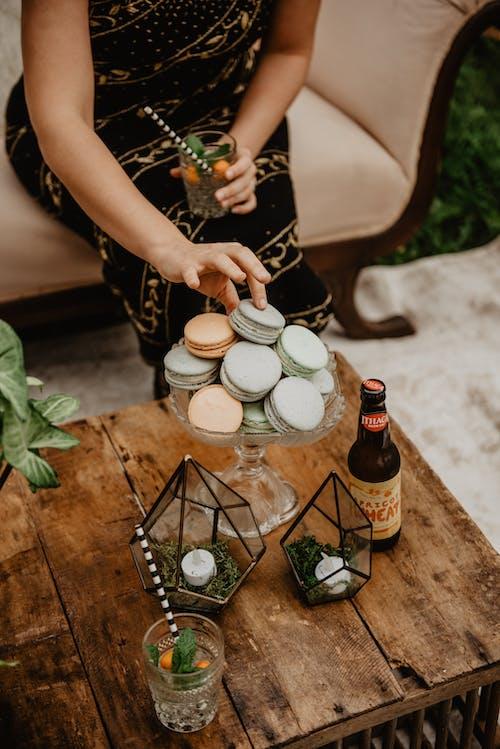 咖啡桌, 啤酒, 喝, 瓶子 的 免費圖庫相片