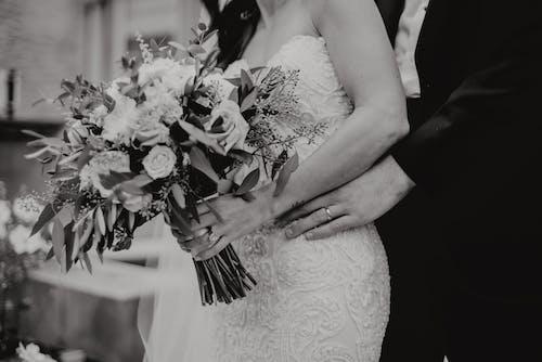꽃, 반지, 부케, 신랑의 무료 스톡 사진