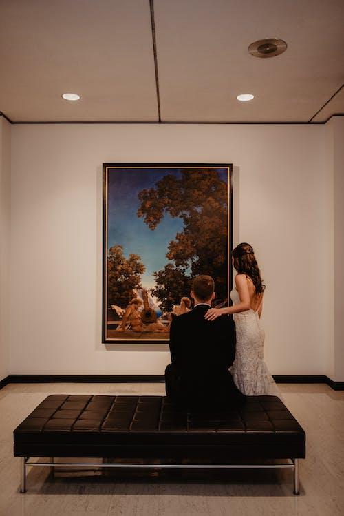 Δωρεάν στοκ φωτογραφιών με άνδρας, Άνθρωποι, γυναίκα, δωμάτιο