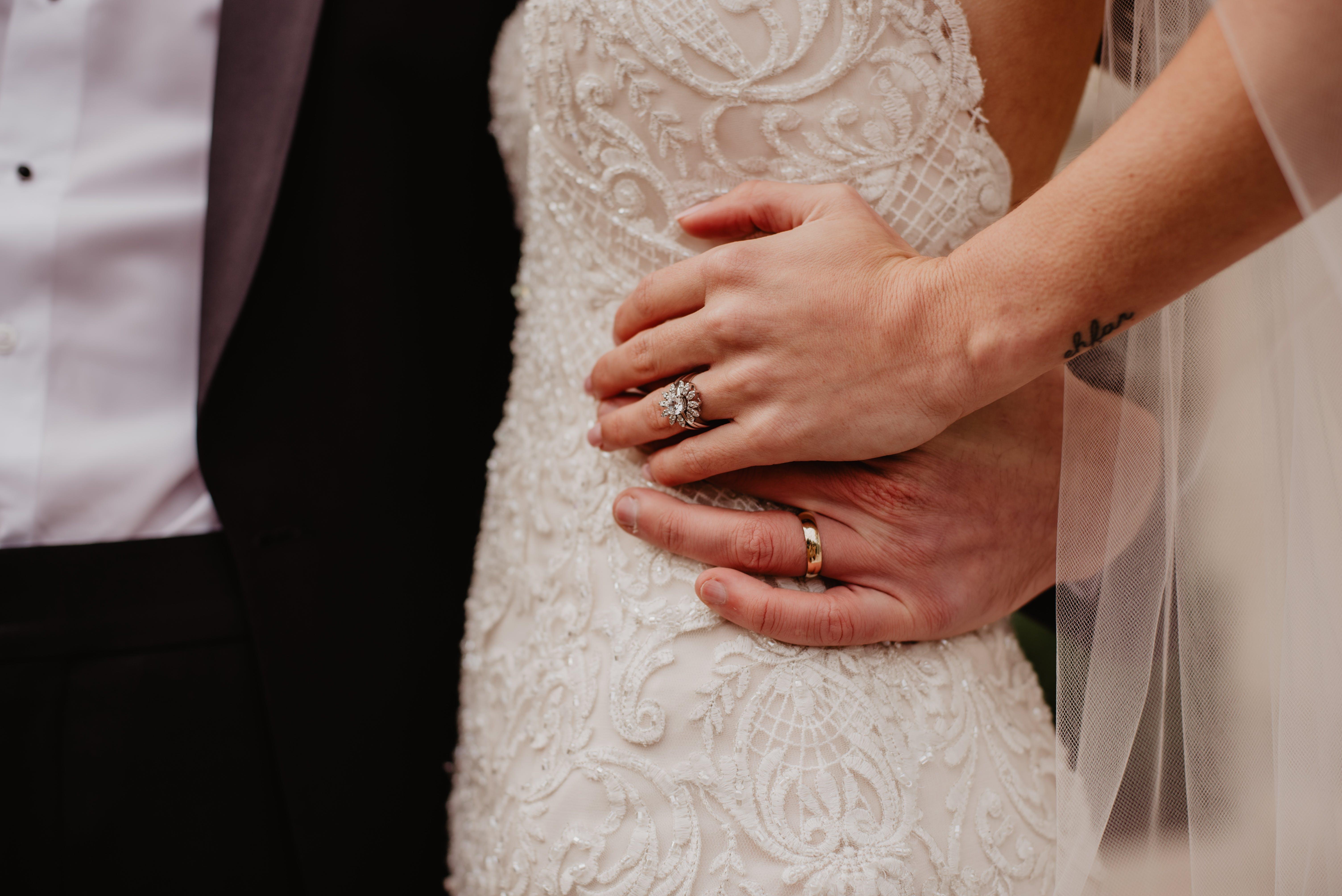 Foto d'estoc gratuïta de aliances, amor, anells, boda