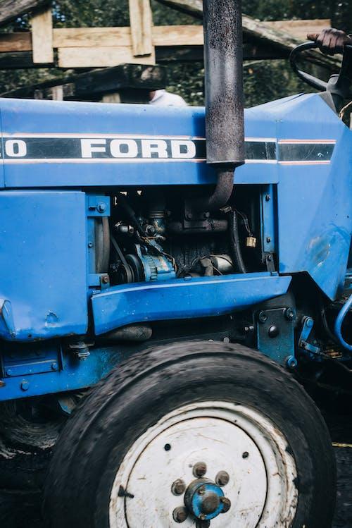 คลังภาพถ่ายฟรี ของ การทำฟาร์ม, ชีวิตชนบท, ฟอร์ด, รถแทรกเตอร์