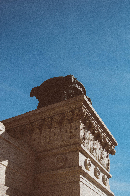 Ingyenes stockfotó alacsony szögű felvétel, ég, emlékmű, építészet témában