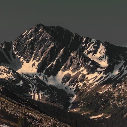 Fotobanka sbezplatnými fotkami na tému cestovať, dobrodružstvo, exteriéry, hora