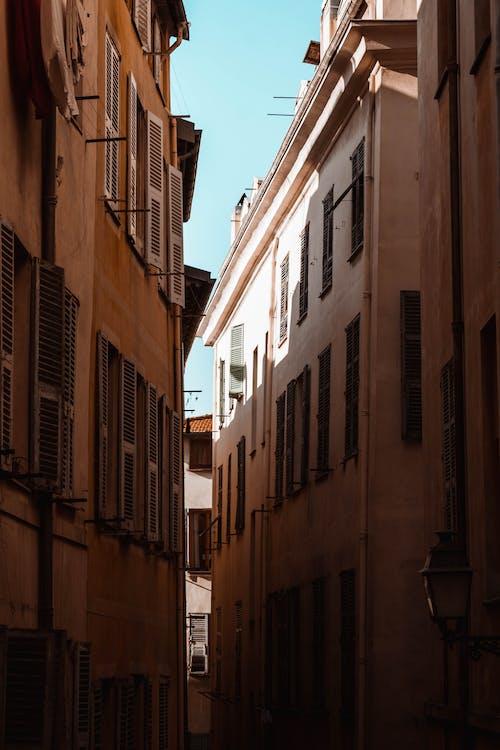 Immagine gratuita di appartamenti, architettura, cittadina, colori