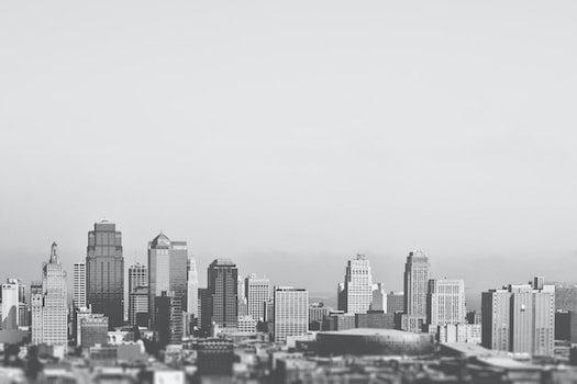 Kostenloses Stock Foto zu schwarz und weiß, stadt, skyline, gebäude