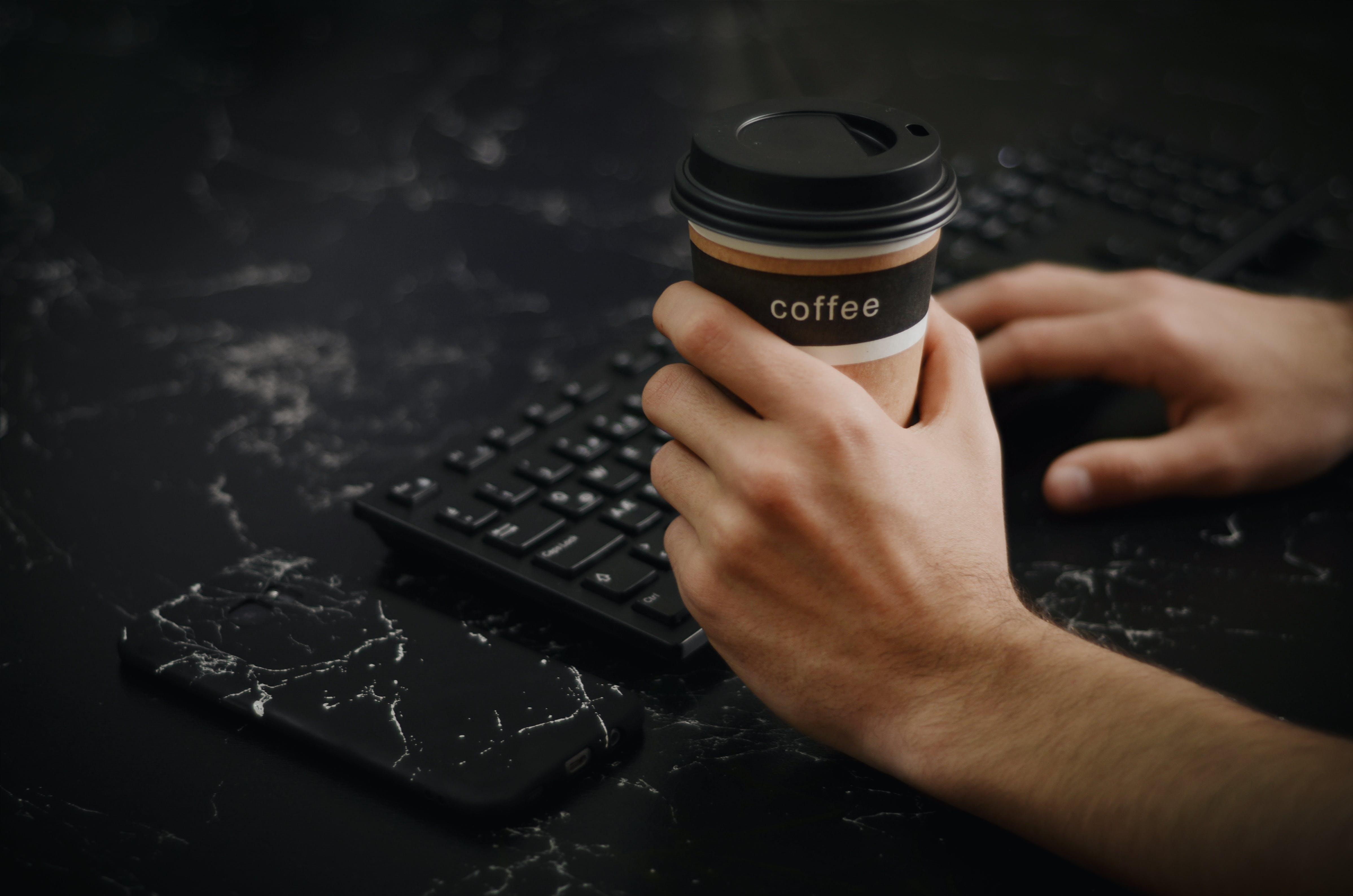 Základová fotografie zdarma na téma káva, klávesnice, kofein, nápoj