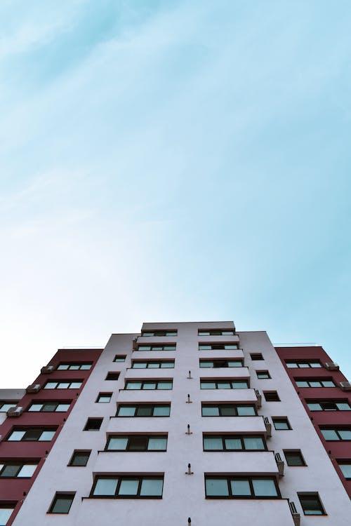 Ingyenes stockfotó alacsony szögű felvétel, építészet, épület, magas épület témában