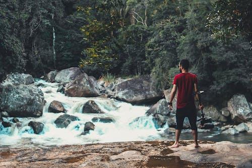 Ilmainen kuvapankkikuva tunnisteilla henkilö, joki, kivet, luonto