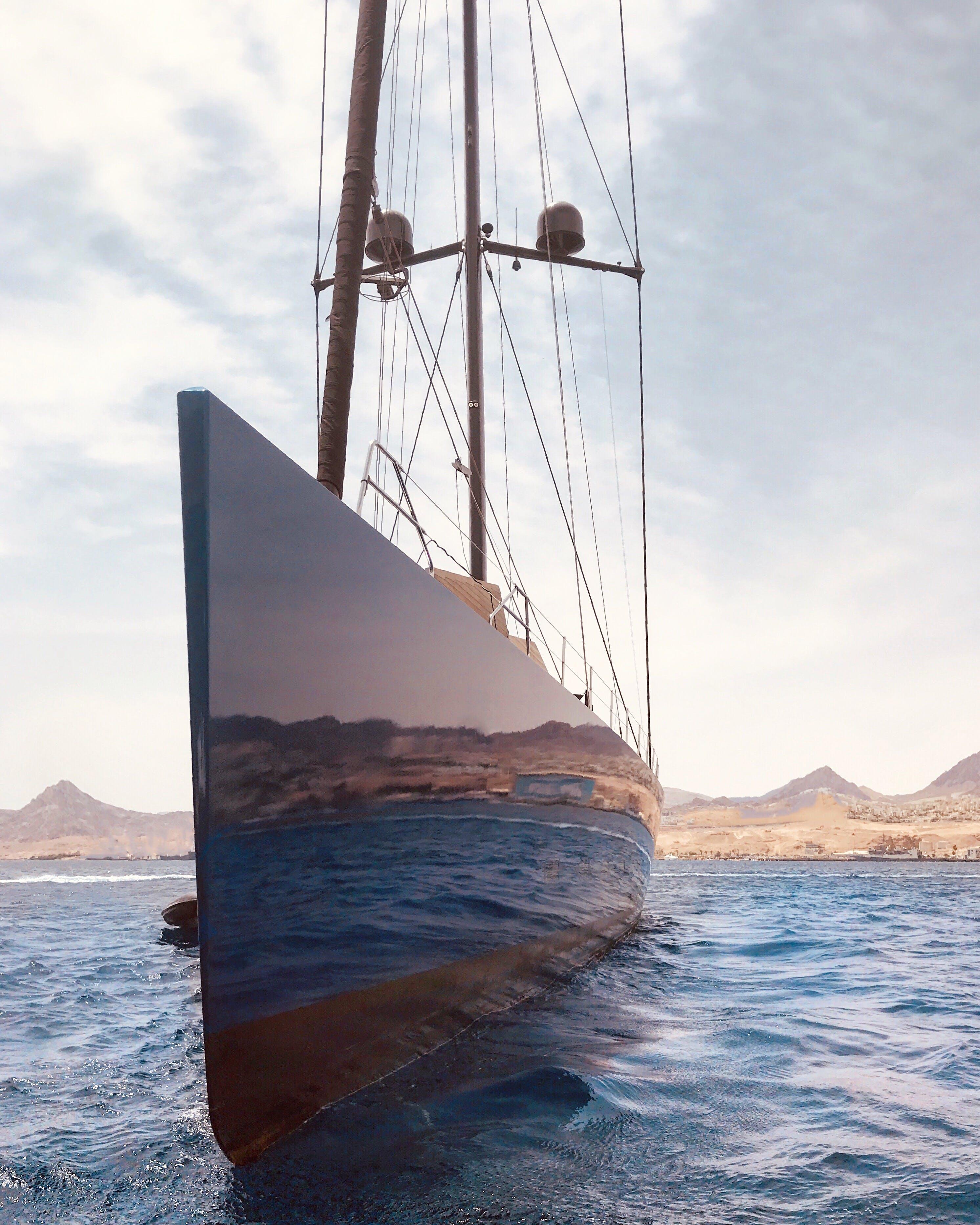 Kostenloses Stock Foto zu blau, boot, himmel, mast