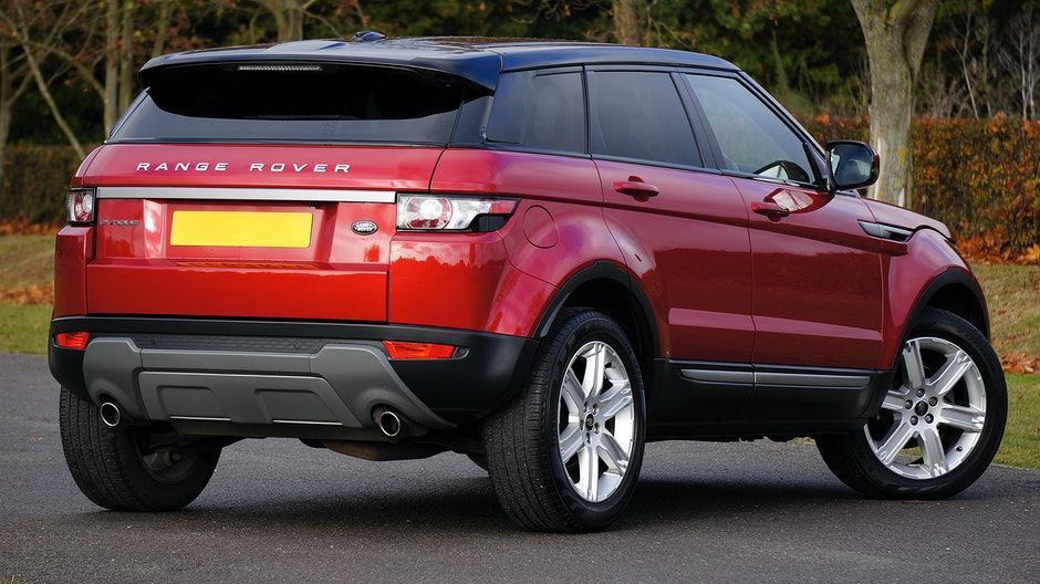 Red Land Rover Range Rover · Free Stock Photo