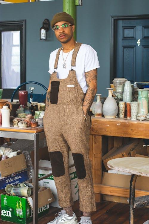 Δωρεάν στοκ φωτογραφιών με αγγειοπλαστική, άνδρας, ανδρικά ενδύματα, άντρας από αφρική