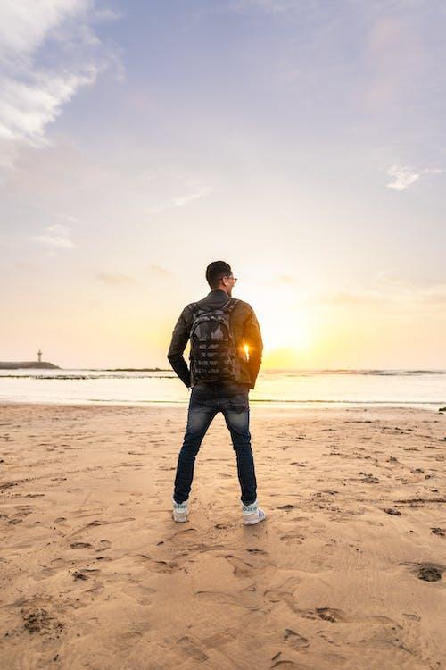 Photos gratuites de bord de mer, détente, espace extérieur, heure dorée