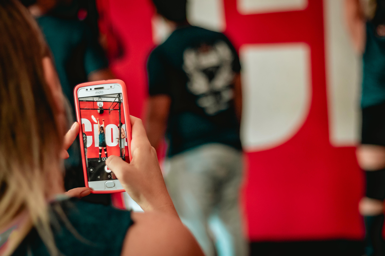 Δωρεάν στοκ φωτογραφιών με iphone, selfie, smartphone, άνδρας