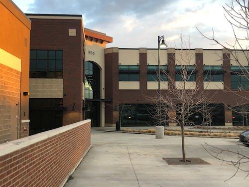 Foto profissional grátis de edifícios de escritórios, exterior do edifício, fachada