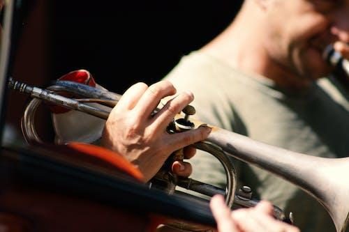 Darmowe zdjęcie z galerii z instrument, instrument muzyczny, ludzie, męski