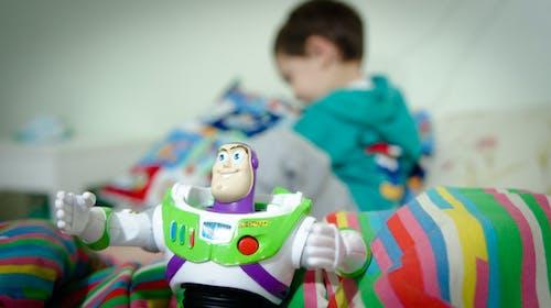 Kostnadsfri bild av barn, buzz lightyear, disney, leksak