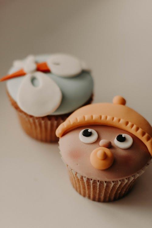 cupcake, cupcake'ler, fırın ürünleri, fırında pişmiş içeren Ücretsiz stok fotoğraf