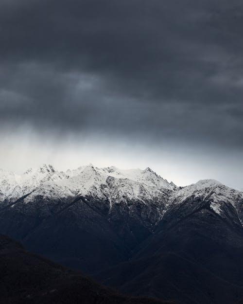 dağ, doğa, doğa fotoğrafçılığı, Karla kaplı dağ içeren Ücretsiz stok fotoğraf