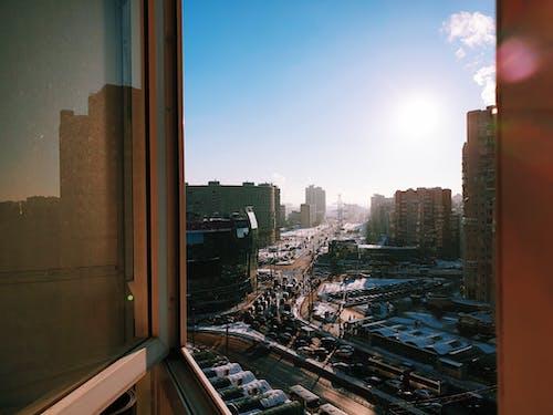 Ilmainen kuvapankkikuva tunnisteilla arkkitehtuuri, ikkuna, kadut, katot