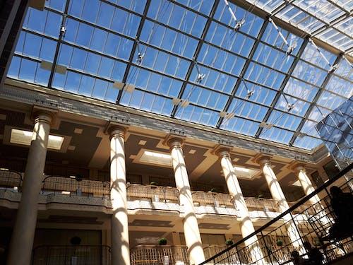 Gratis lagerfoto af arkitektur, atrium, businesscenter, by