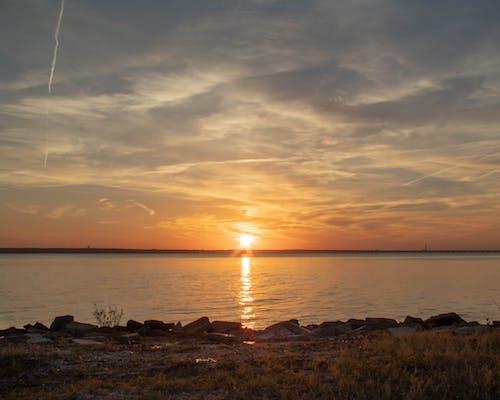 Foto d'estoc gratuïta de badia, platja posta de sol