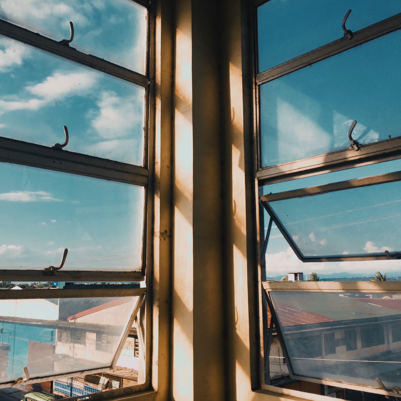 Základová fotografie zdarma na téma architektura, barva, denní světlo, místnost