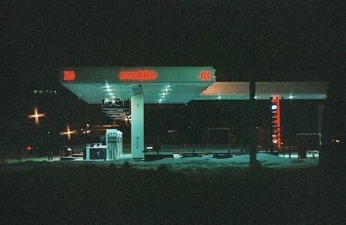 Ingyenes stockfotó benzin, benzinkút, éjszaka, építészet témában