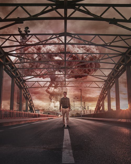 Foto profissional grátis de andando, apocalipse, atômico, bombear