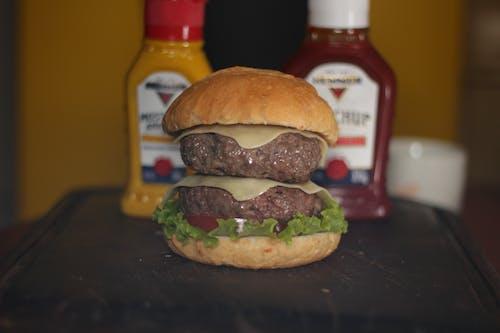 Kostenloses Stock Foto zu cheeseburger, hamburger