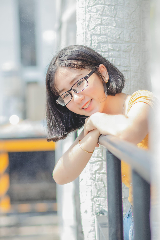 Gratis lagerfoto af 20-25 år gammel kvinde, Asiatisk pige, asiatiske kvinde, briller