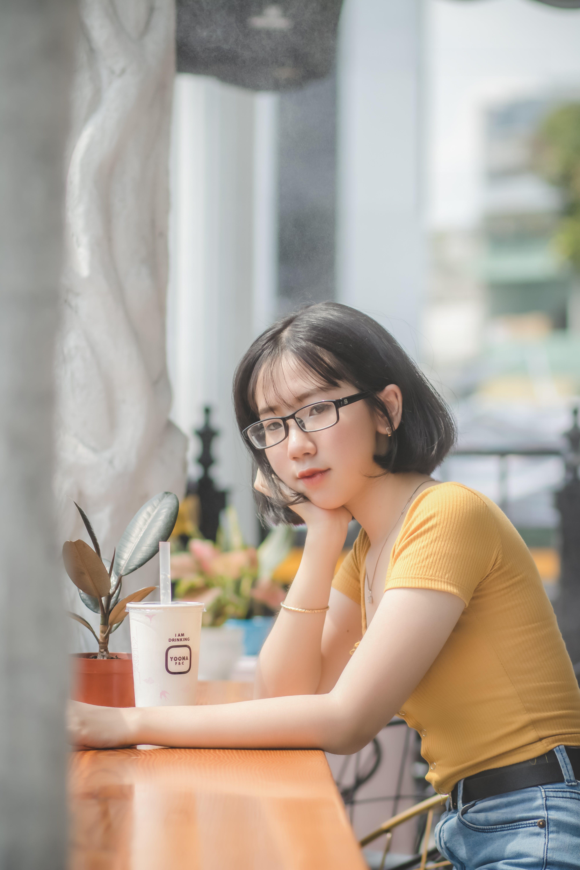 Gratis lagerfoto af 20-25 år gammel kvinde, afslappet, ansigtsudtryk, asiatisk kvinde