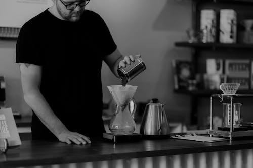 Immagine gratuita di bar, bianco e nero, caffè, chemex