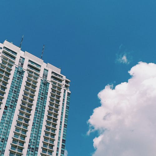 Fotos de stock gratuitas de atractivo, azul, cielo, cielo azul