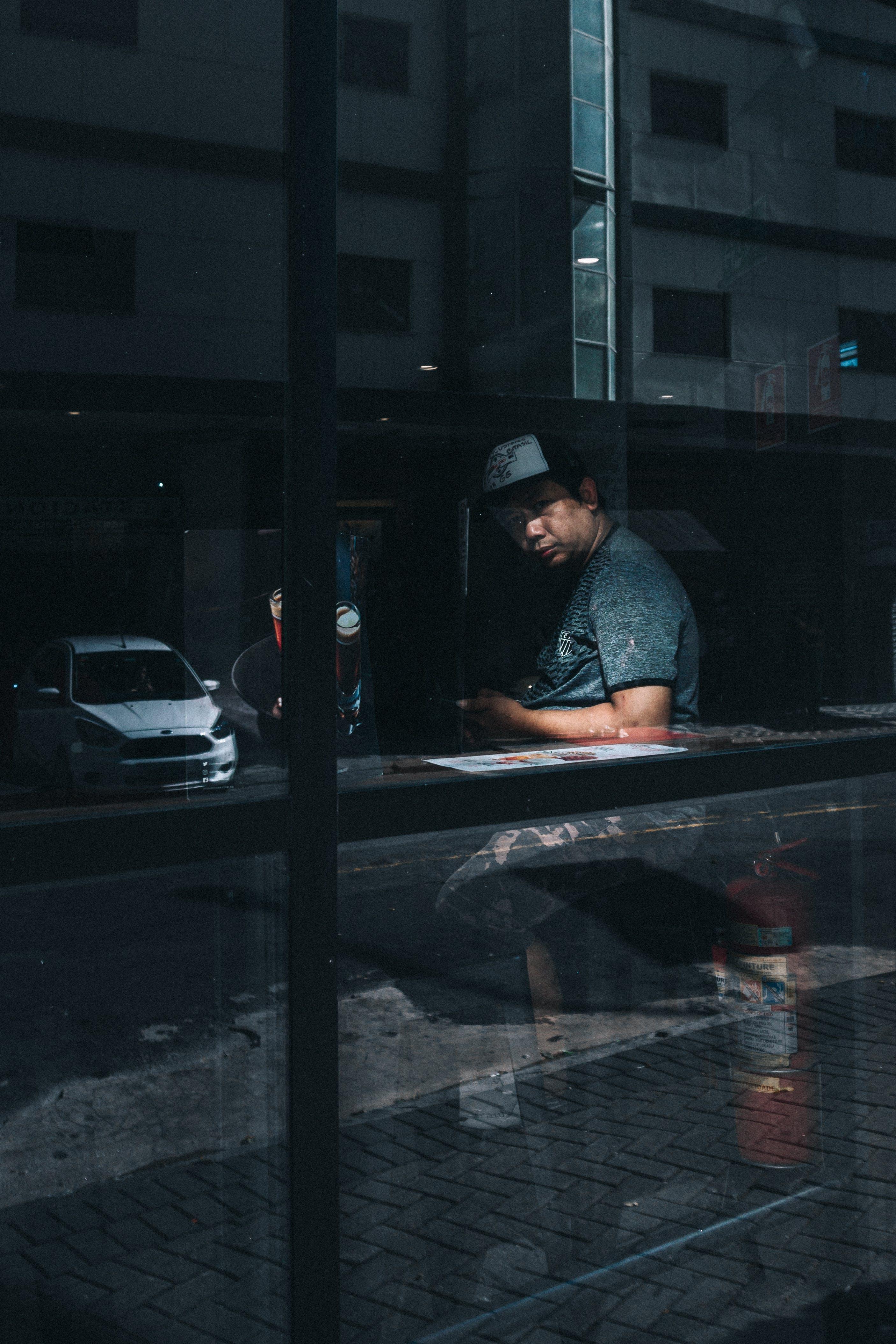 Základová fotografie zdarma na téma auto, automobil, barvy, chlápek