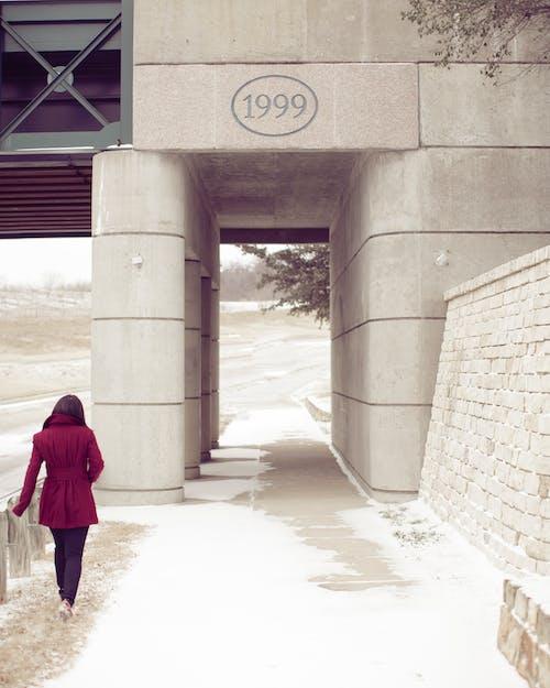 Immagine gratuita di 1999, bellissimo, cappotto, cappotto rosso